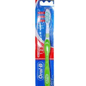 Oral B Toothbrush Fresh Clean Medium 1 Nos Pouch